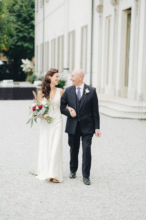 Bridal Entrance in Silk Jenny Packham Gown | Glamorous, Roaring Twenties, Great Gatsby Inspired Wedding at Villa Borromeo  in Italy | Matrimoni all'Italiana Photography