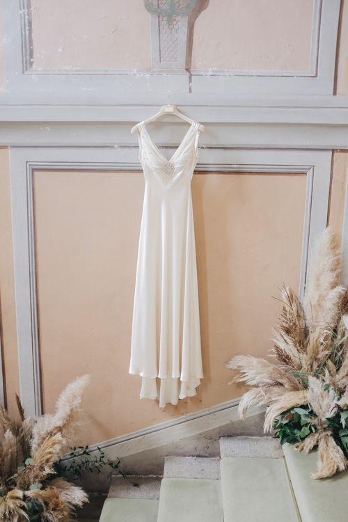 Silk Jenny Packham Wedding Dress | Glamorous, Roaring Twenties, Great Gatsby Inspired Wedding at Villa Borromeo  in Italy | Matrimoni all'Italiana Photography