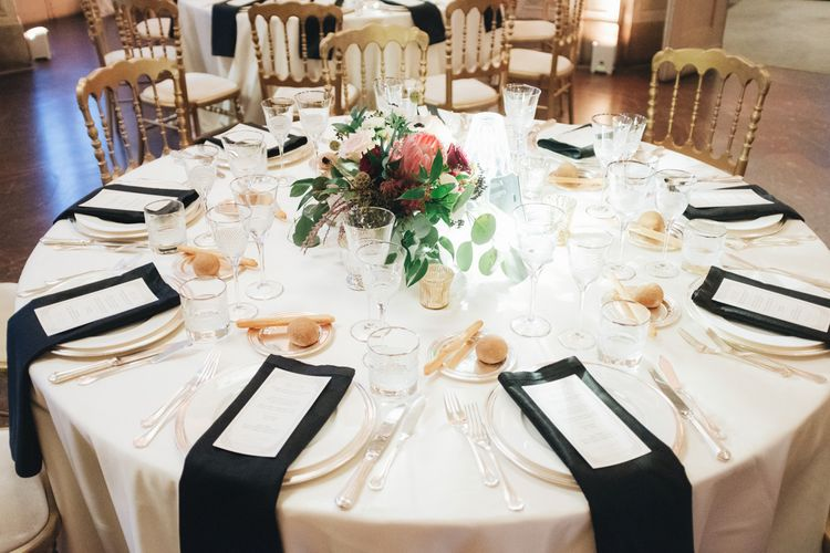 Black & Gold Place Settings | Glamorous, Roaring Twenties, Great Gatsby Inspired Wedding at Villa Borromeo  in Italy | Matrimoni all'Italiana Photography