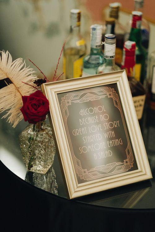 Black & Gold Art Decor Wedding Sign | Glamorous, Roaring Twenties, Great Gatsby Inspired Wedding at Villa Borromeo  in Italy | Matrimoni all'Italiana Photography