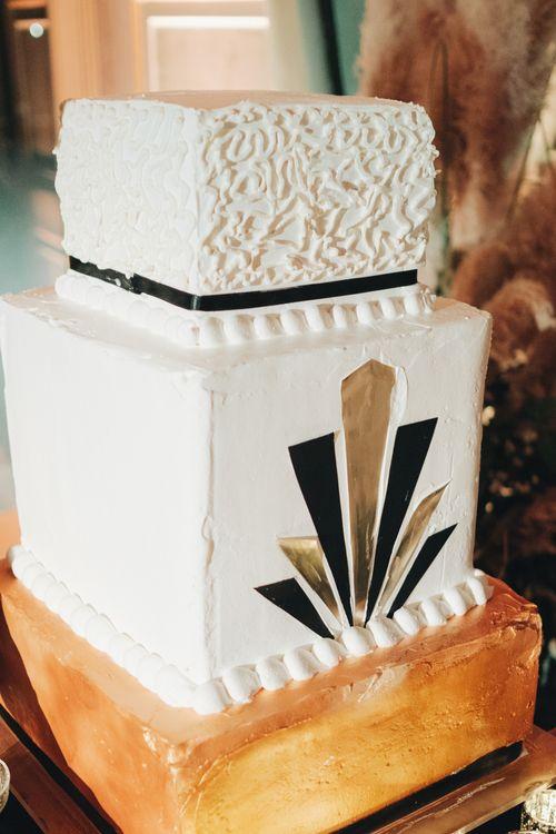 Art Decor Wedding Cake | Glamorous, Roaring Twenties, Great Gatsby Inspired Wedding at Villa Borromeo  in Italy | Matrimoni all'Italiana Photography