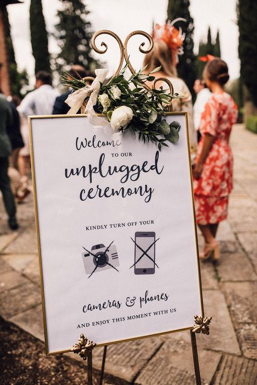 Unplugged Ceremony Wedding Sign in Gold Frame | Stylish Tuscan Wedding at Vignamaggio Planned by The Wedding Boutique Italy | Samuel Docker Photography | Paul Vann Films