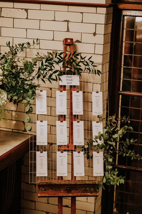 Chicken Wire Table Plan | Navy & Silver Winter Wedding Reception at Hawksmoor Guildhall in London | Joasis Photography