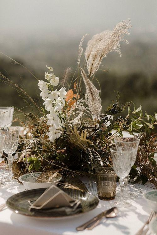 Neutral tone wedding flowers