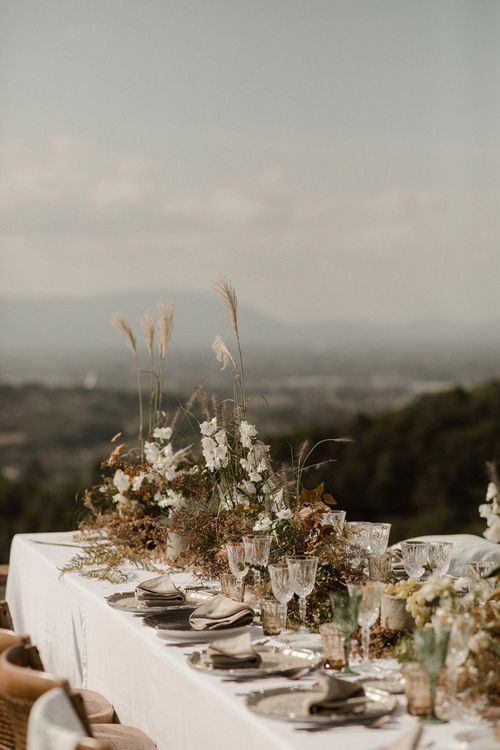 Wedding table flowers and grasses for Italian wedding
