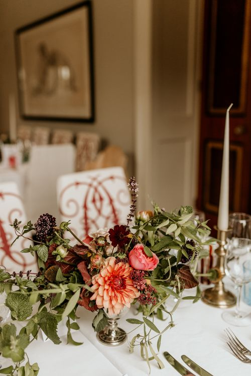 Dahlia Centrepieces For Wedding // Image By Green Antlers Photography