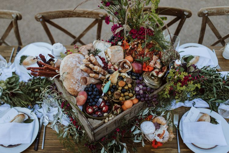 Boxed Food // Grazing Board Style Food For Wedding // 2019 Wedding Trends // Image By Laura Martha Photography