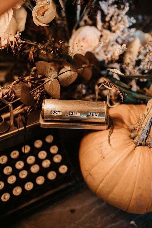 Halloween wedding ideas and decor