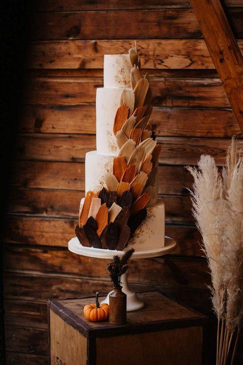 Wedding cake design with autumn wedding colours