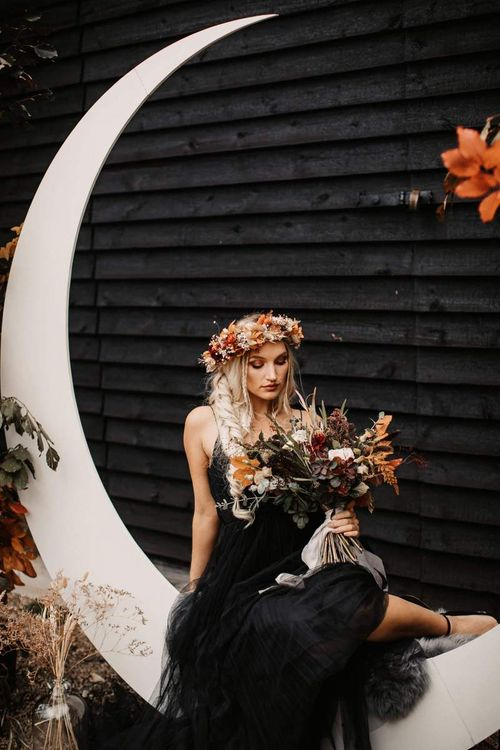Autumn flower crown and bridal bouquet