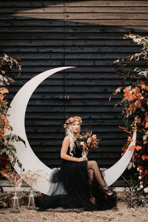 Halloween wedding decor and autumn flowers