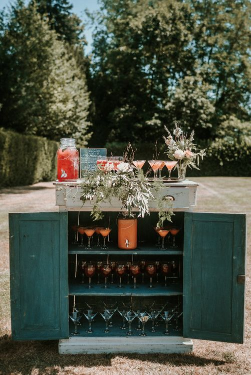 DIY outdoor cocktail bar | Bespoke Planning and Styling by Helaina Storey Wedding Design | Image by Alice Cunliffe Photography