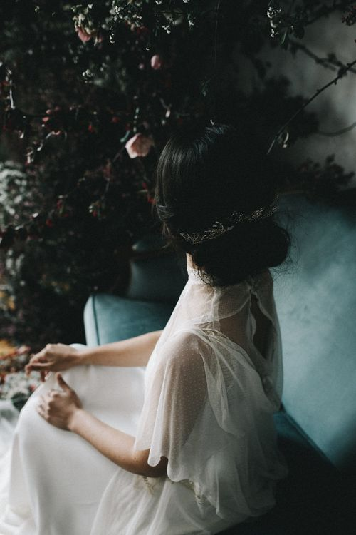 Wild Floral Installation Bridalwear From Sommera Espagne With Styling By Minnesota Garden And Images From La Hoja Perenne