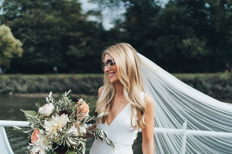 Bridal Accessories Chloe Sunglasses with Veil and Bouquet