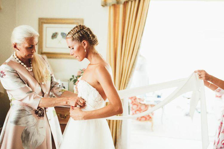 Bride Getting Ready on the Wedding Morning in a Halfpenny London Wedding Dress
