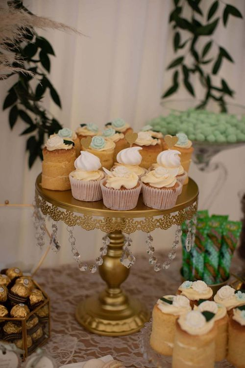 Wedding Cupcakes For Guests with Floral Backdrop
