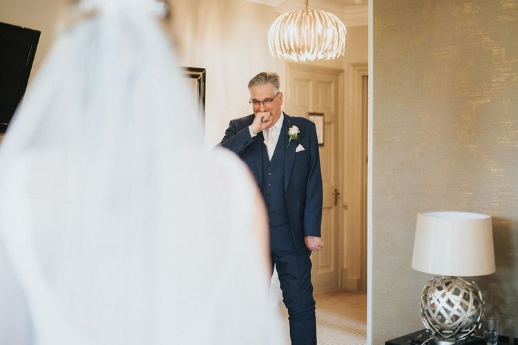Father sees bride for the first time in Pronovias dress