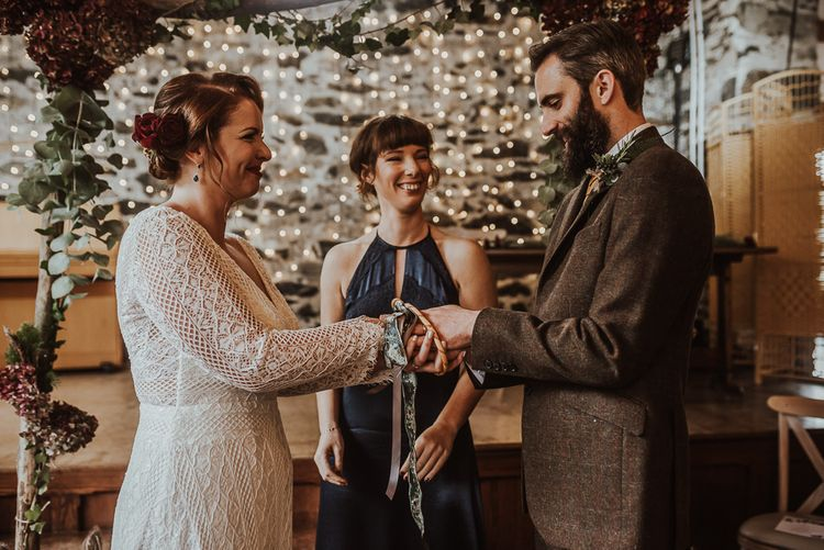 Bride's sister performs hand fasting ceremony