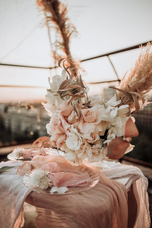 Neutral wedding flowers and decor by Pixy With Love