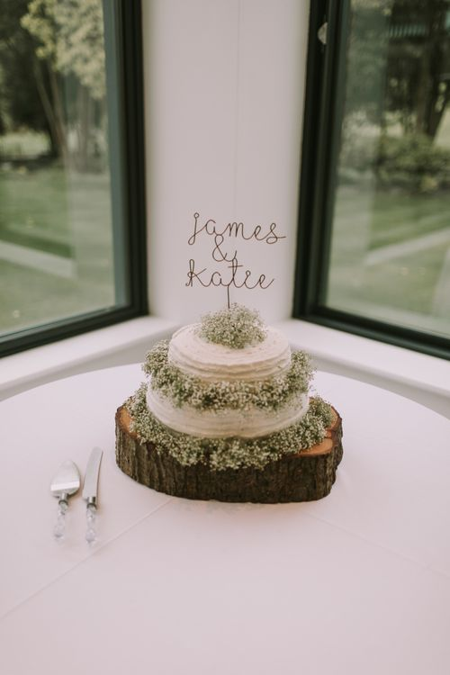 The Cake | Tyn Dwr Hall, North Wales | Justin Alexander Gown from Brides by Tina Louise | Photography by Livi Edwards.