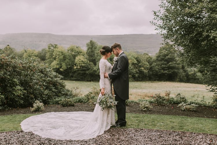 Tyn Dwr Hall, North Wales | Justin Alexander Gown from Brides by Tina Louise | Photography by Livi Edwards.