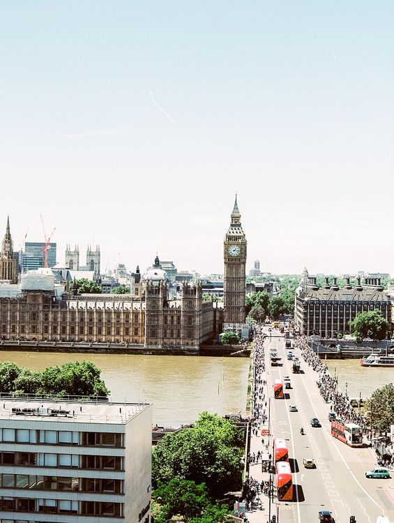 London Sky Line | Houses of Parliament | | Elegant White, Green & Gold Wedding with Succulent & Foliage Decor at ICA in London City | Kylee Yee Fine Art Photography