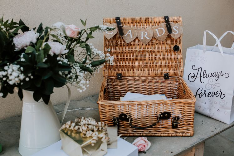 Hamper For Cards At Wedding / Image By Sally Rawlins Photography