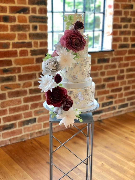 Harlem Mill wedding venue with stunning wedding cake