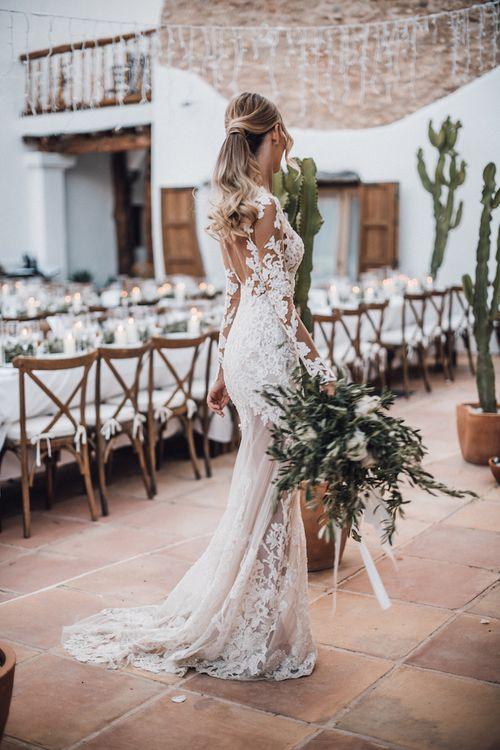 Stylish bridal ponytail wedding hairstyle