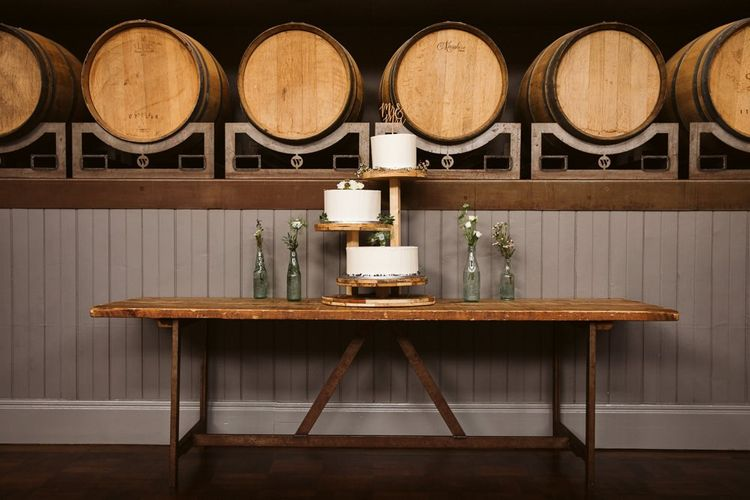 3 Tier Rustic Wedding Cake Stand with White Wedding Cakes