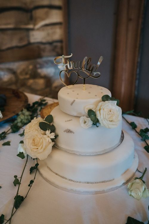 Traditional wedding cake with flower decor