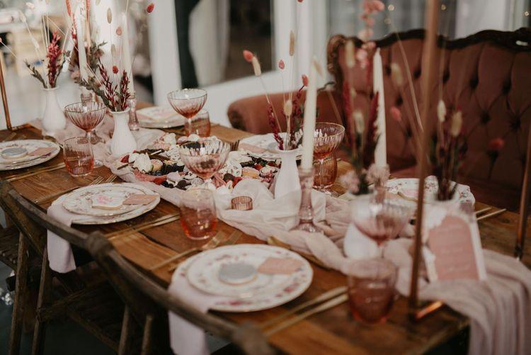 Black pink wedding table decor and wedding invitations