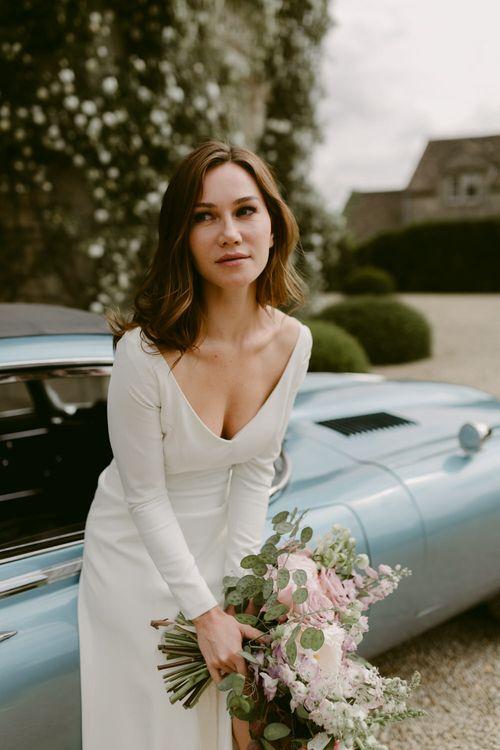 Emmeline by Naomi Neoh // Minimal, Elegant and Sleek Wedding Dress