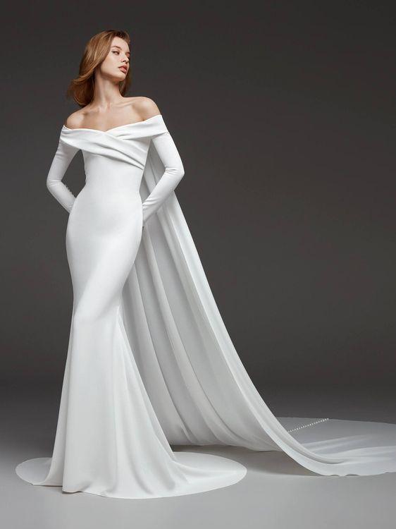 Crystal by Pronovias // Minimal, Elegant and Sleek Wedding Dress