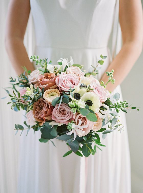 Rose & Anemone Wedding Bouquet // Image By Imogen Xiana