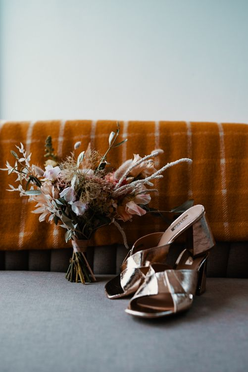 Bridal bouquet in Autumn wedding colours