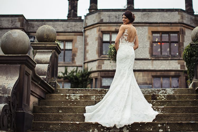 Bride in Lace Pronivias Dralia Wedding Dress