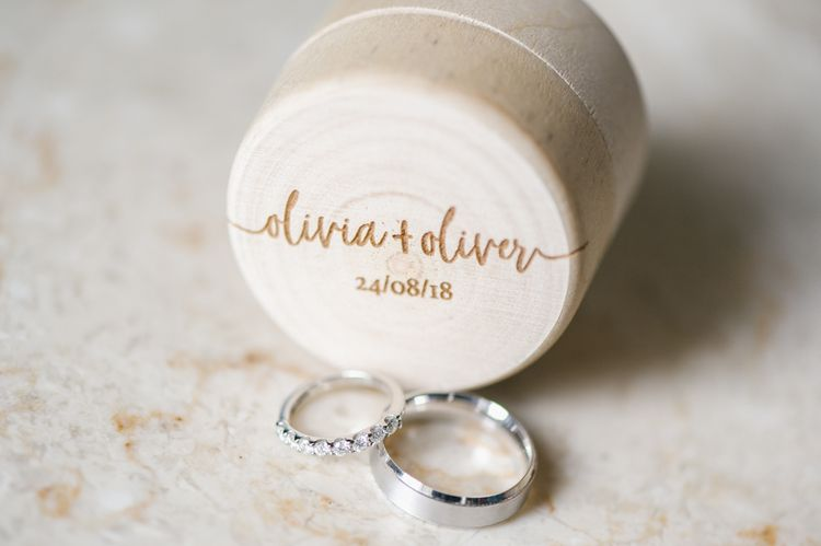 Rock-My-Wedding-Oliver-and-Olivia-30_0