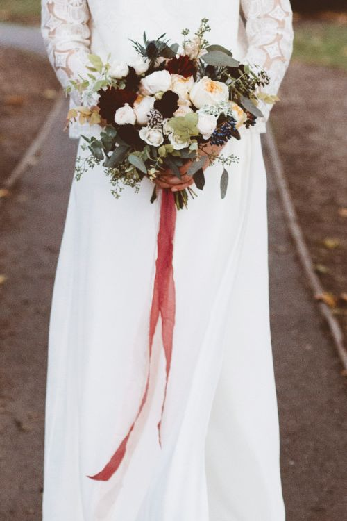 White & Red Bouquet   Bride in Laure de Sagazan Gown   Autumn City Wedding at Clissold House,  West Reservoir Centre   A Thing Like That Photography