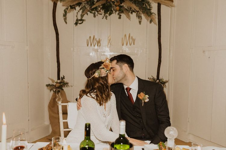 Linden House wedding reception with modern floral decor and relaxed touches