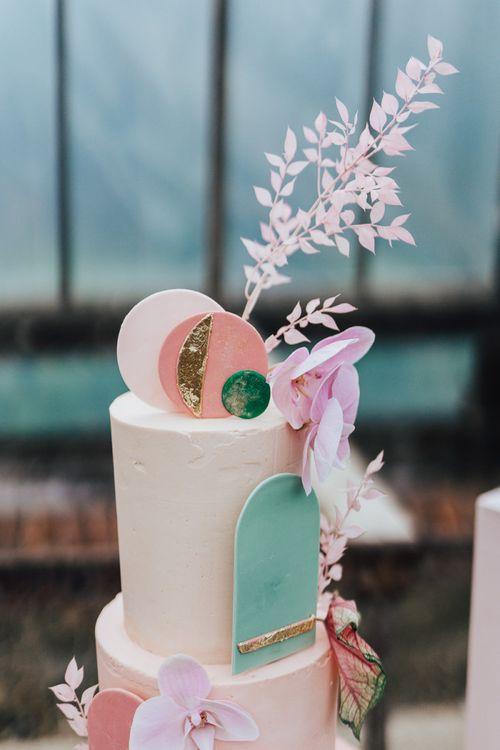 Wedding cake decor and topper for stylish wedding cake by Sugarplum Bakes