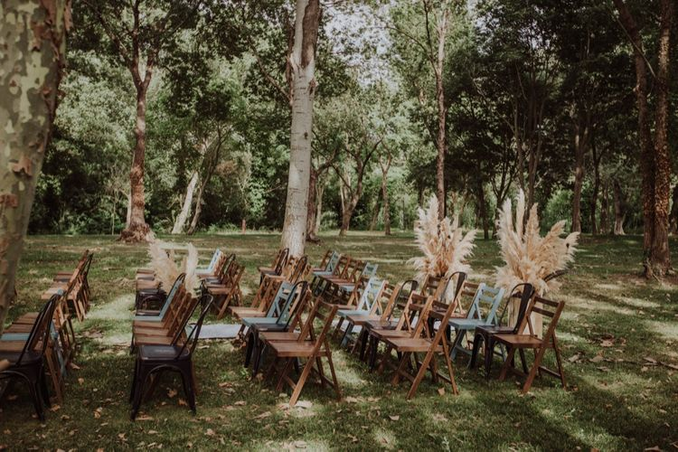 Pampas Grass Moongate & Aisle Floral Arrangements | Outdoor Woodland Wedding at Sa Farinera de Sant LLuis Wedding Venue, Catalan Empordà, Spain | Planned & Styled by Mille Papillons | HUMà06 Photography | HUMà06 Photography