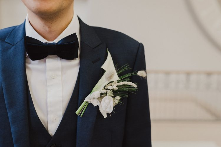 White Lilly Grooms Buttonhole