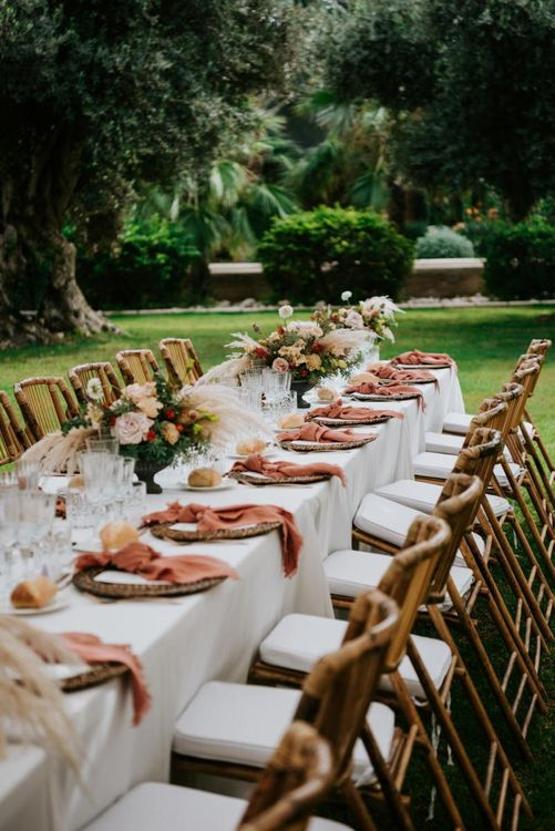 Wedding table decor with pampas grass