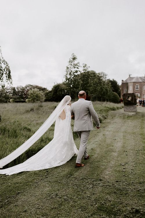Long veil with Rue De Seine wedding dress
