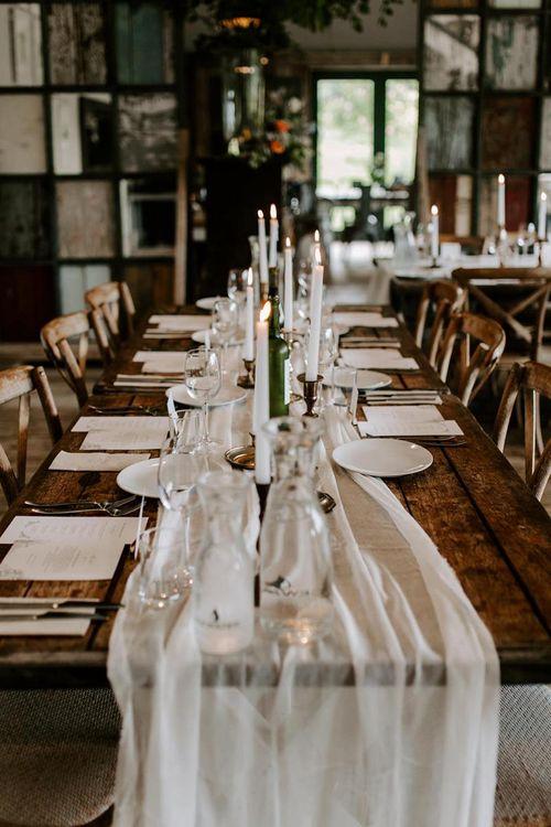 Romantic wedding table decor for micro wedding