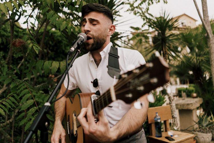 Wedding Reception Guitarist Entertainment