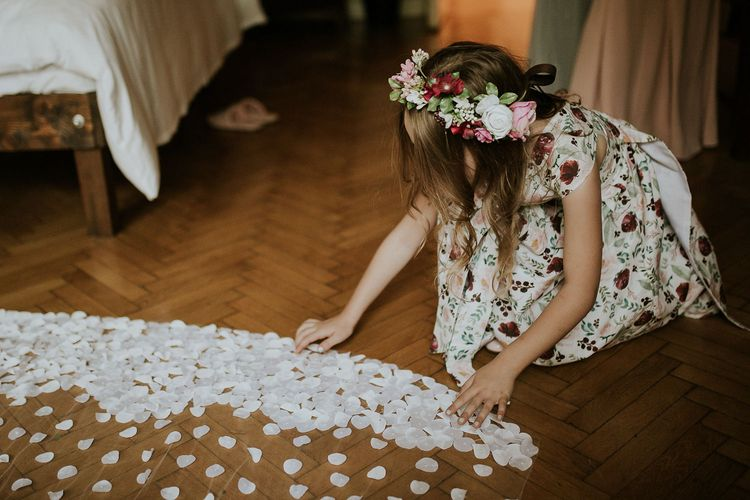 Flower Girl in Floral Print Dress with Flower Crown | Theia Bridal Veil with Petal Detail | Budapest Wedding with Giant Bridal Bouquet, Tuk Tuks and Cadillac | Jágity Fanni Fotográfus
