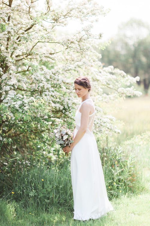 Pure & Simple White & Green Spring Wedding Inspiration | Hair by Wildflower Hair Company | Spring Wedding Colours for 2019 | Photography by Jo Bradbury Photography
