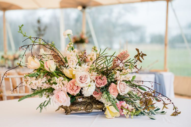 Soft & Muted Floral Arrangement | Spring Wedding Colours for 2019 | PapaKata Spring Open Weekend | Dominic Wright Photography